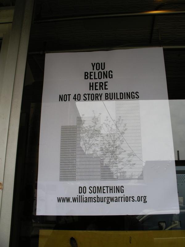 Plakat gegen die Hochhauspläne an der Williamsburg Waterfront (eigenes Foto)
