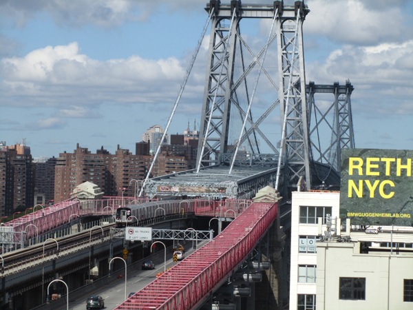 Williamsburg Bridge 2012 nach fast 15 jähriger Renovierung und Erneuerung (eigenes Foto)