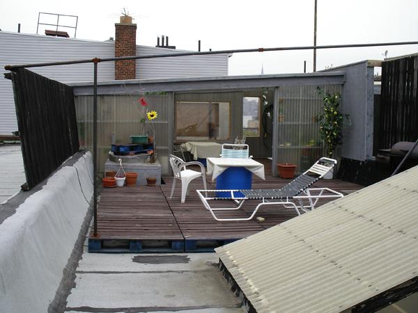 Typische selbst gebaute Dachterasse (eigenes Foto)