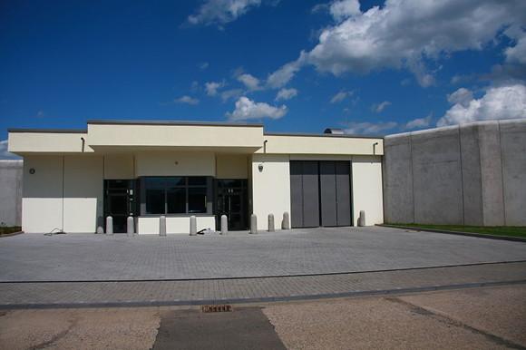 Der Neubau der Maßregelvollzugsklinik in Köln-Westhoven Foto: Wo st 01 Lizenz: CC