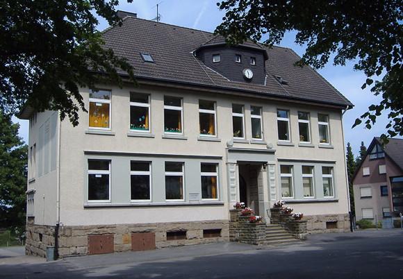 Loh Schule. Foto: DKey85 Lizenz: CC-by-sa 3.0/de