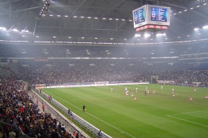 Das Stadion der Gelsenkirchener. Quelle: Wikipedia Foto: Friedrich Petersdorff Lizenz: cc