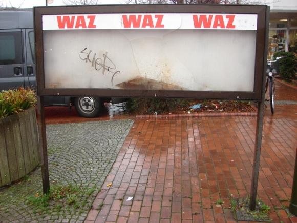 Der WAZ-Schaukasten am Waltroper Marktplatz im Januar 2013.