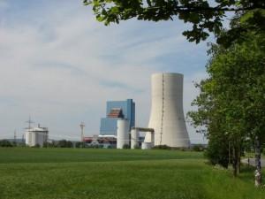 Das umstrittene Kraftwerk zwischen Datteln und Waltrop im Mai 2011. Foto: Robin Patzwaldt