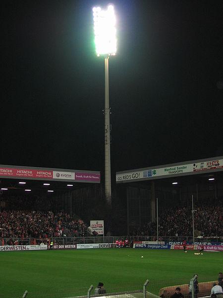 Das alte Essener Stadion. Quelle: Wikipedia Lizenz: gemeinfrei