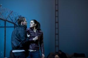 Carmen und Don José im Grenzland (Foto: Thomas M. Jauk / Stage Pictures)