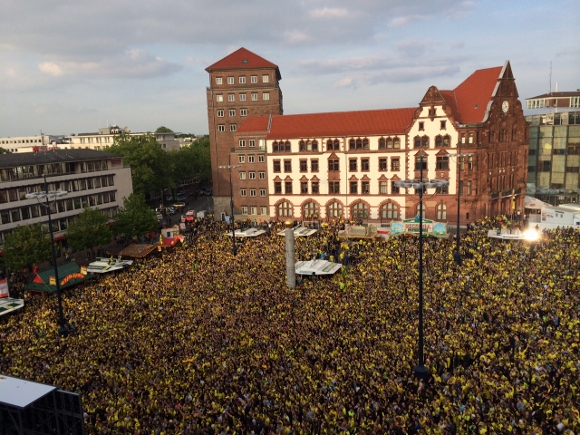 Alles war angerichtet für ein weiteres Fußballfest in Dortmund. Foto: Michael Westerhoff/Colorfulcities.de