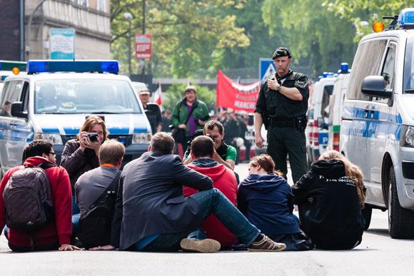 Presse-Show: Blockade von Politikern