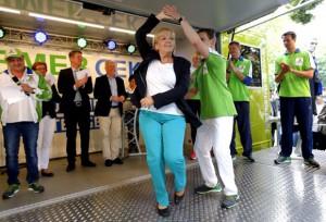 Kurz vor dem Beförderungsstopp ließ man es in der Landesregierung noch einmal so richtig knallen Foto: Staatskanzlei Nordrhein-Westfalen / Foto: Ralph Sondermann