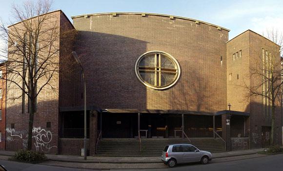 Katholische Kirche St. Albertus Magnus Foto: Rudko Lizenz: CC0 1.0