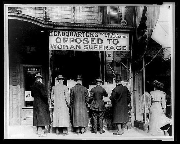Gegner des Frauenwahlrechts in den USA Quelle: Kongressbibliothek/Wikipedia