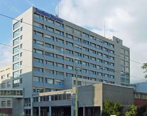 Das Verwaltungsgebäude der FAZ in Frankfurt. Quelle: Wikipedia, Foto: Cherubino, Lizenz: CC
