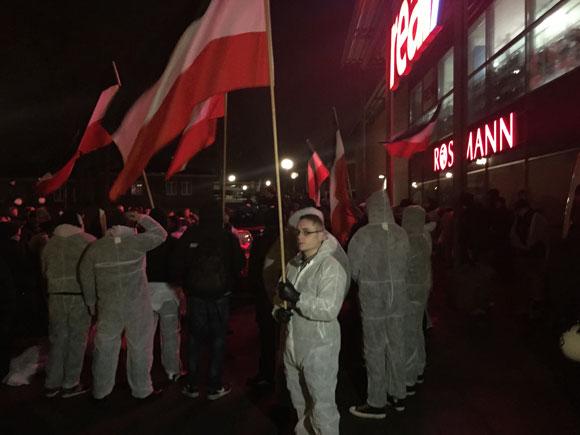 eving_nazis20150220
