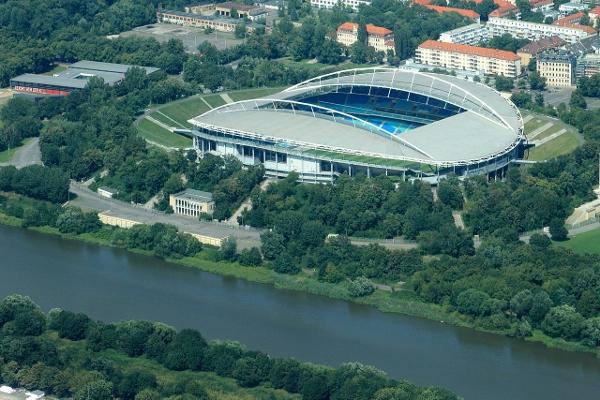 Das derzeitige Stadion von RB Leipzig. Quelle: Wikipedia, Foto: Philipp, Lizenz: CC BY 2.0