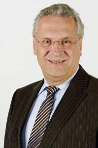 Will Kranke von der Gesellschaft separieren: Joachim Herrmann (CSU) (Foto: Gerd Seidel)