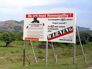 In Antigua und Barbuda wird sogar vor Homöopathen gewarnt! (Foto: David Stanley / Flickr / CC-BY 2.0)