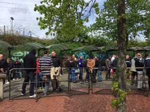 1. Mai Foto 2 MG Nazis Bahnhof (600x450)