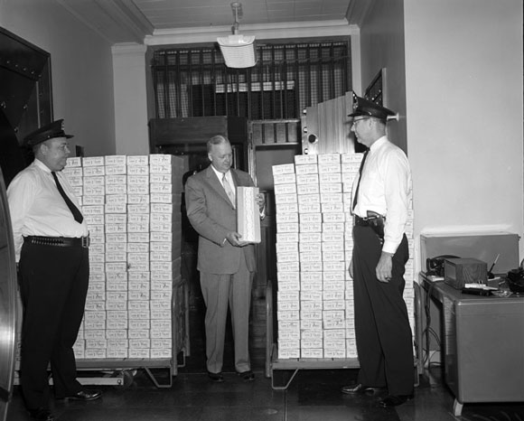 Richtig viel Bargeld Foto: Library of Virginia Lizenz: Keine