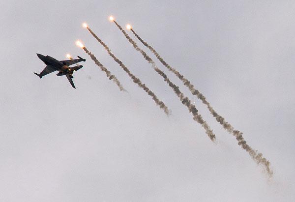F16 der türkischen Luftwaffe bei einer Übung Foto: High Contrast Lizenz: CC BY 2.0