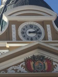 Die Uhren gehen in Bolivien linksrum