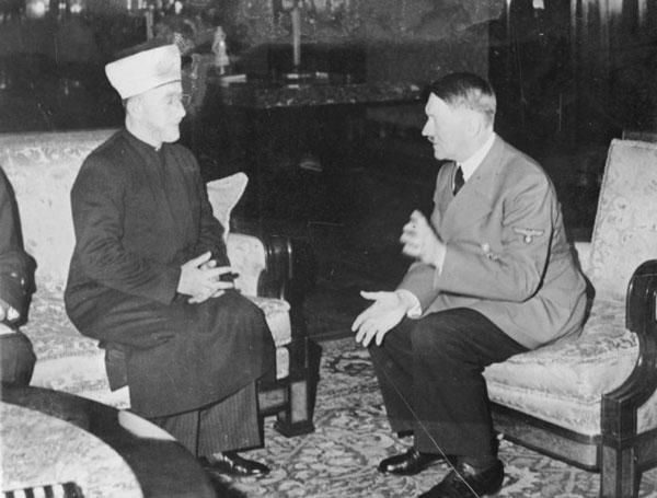 Amin al-Husseini und Adolf Hitler  Foto: Bundesarchiv, Bild 146-1987-004-09A / Heinrich Hoffmann Lizenz: CC BY-SA 3.0 DE