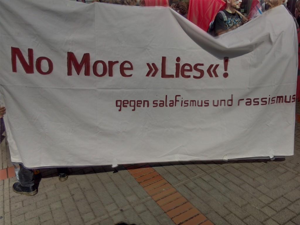 """Antifaschisten protestierten am vergangenen Wochenende gegen einen """"Lies"""" Stand in Bochum"""
