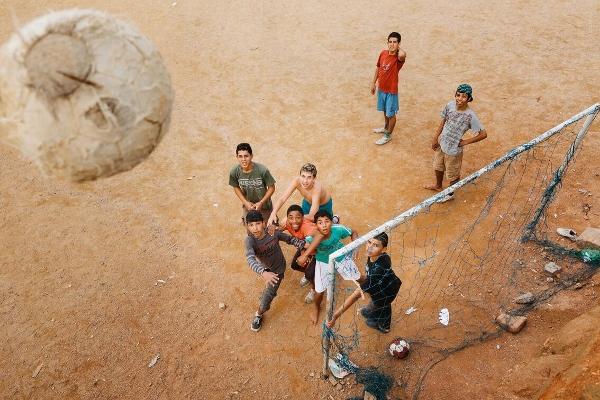 Straßenfußball 4 (600x400)
