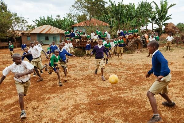 Straßenfußball 8 (600x400)