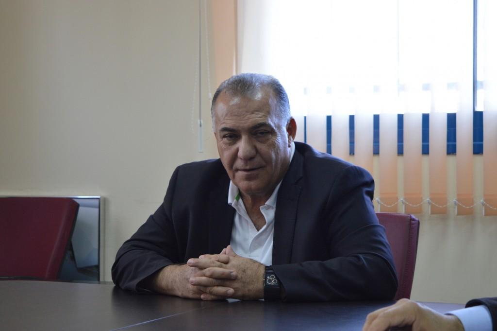 Bürgermeister Ali Salem im Rathaus von Nazareth. Foto: Til Biermann