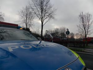 Die Polizei ermittelt derzeit die Brandursache (Foto: Sebastian Bartoschek)
