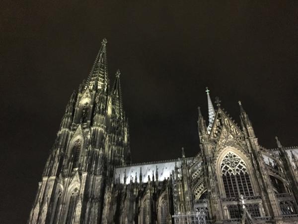 dom_keoln_nacht
