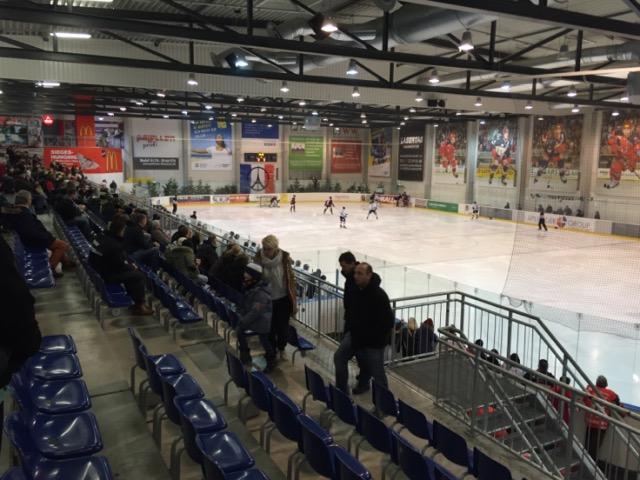 Nach dem Zwangsabstieg in die Oberliga absolvieren die Hannover Scorpions, der Deutsche Meister von 2010, seine Heimspiele in der modernen und sehr schönen Eissporthalle Langenhagen. (Foto: Simon Ilger)