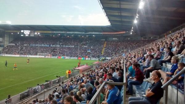 Das Stadion in Bielefeld. Quelle: Wikipedia, Foto: Rüdiger Müller, Lizenz: CC-BY-SA 4.0