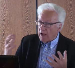 Dr. Uwe Lehnert hat wieder einen rausgehauen. (Foto: Screenshot Youtube)