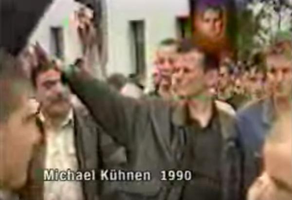 """Michael Kühnen. Screenshot aus der NDR-Dokumentation """"Neonazis, die Männer lieben"""","""