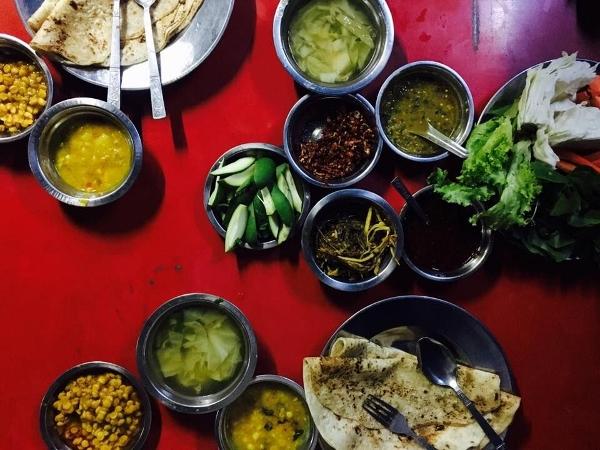 Abendessen in Mandalay (600x450)
