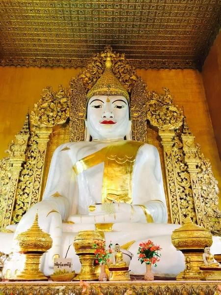 Buddhafigur Mandalay Hill (450x600)