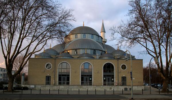DITIB-Merkez-Moschee in Duisburg-Marxloh Foto: -ani- Lizenz: CC BY-SA 3.0