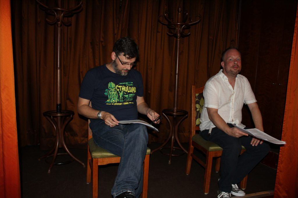 Sebastian Bartoschek (li.) und Christoph Baumgarten (eigentlich linker, im Bild aber rechts) lasen vor.