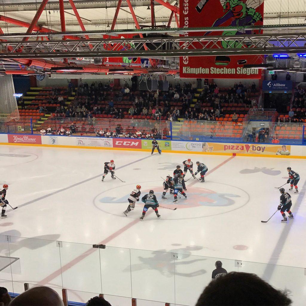 Die Moskitos empfingen zum ersten Saisonspiel die Saale Bulls aus Halle. (Foto: Simon Ilger)