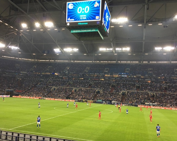 Beim Stand von 0:0 war die Welt auf Schalke noch halbwegs in Ordnung. Foto: Michael Kamps