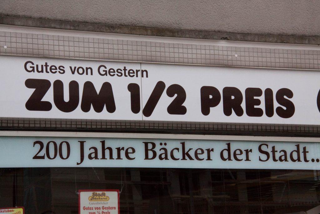 Willst Du Gelsenkirchen oben sehen, dann musst Du die Tabelle drehen! Foto: Voregger