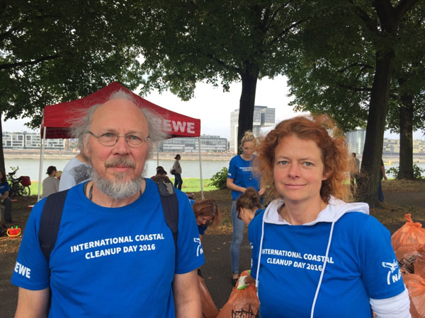 Birgit Röttering vom Kölner NABU (Links)