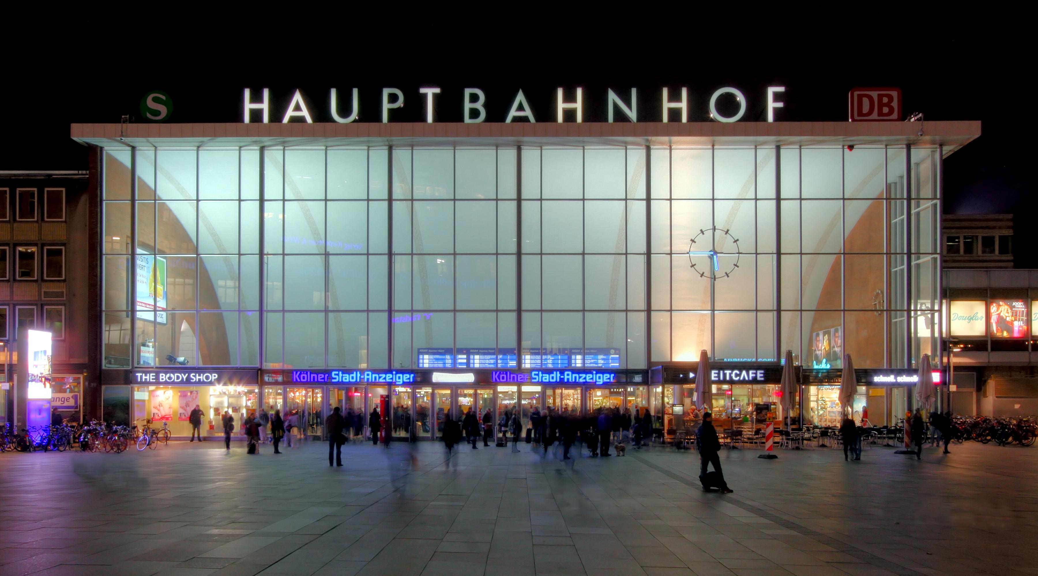 Douglas Köln Hauptbahnhof