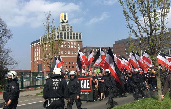 NRW-Offene-Haftbefehle-gegen-102-Neonazis