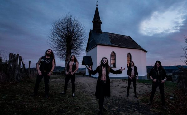 Attic - Heavy Metal im Gruselfilm-Format