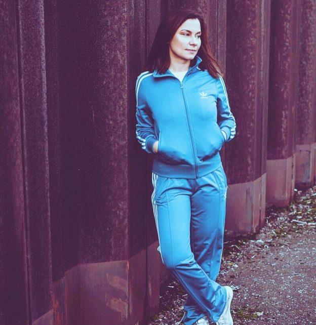 Juliet Sikora - an den Turntables gibt sie den Takt vor / Foto: Fallstaff Photographie