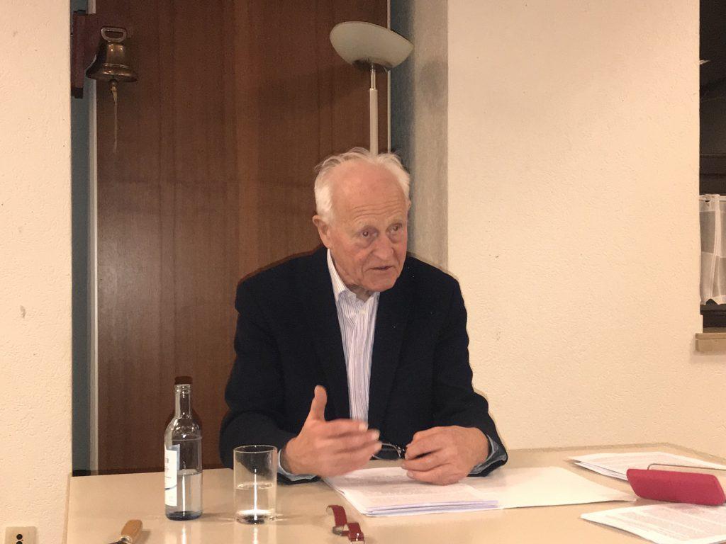 """Prof. Friedhelm Hengsbac , Autor von """"Was ist los mit dir, Europa?"""" - Fotos: Peter Ansmann"""