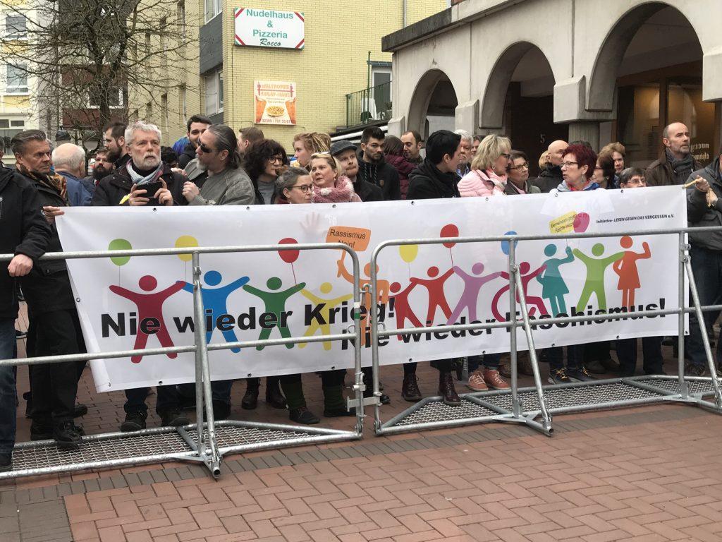 Waltrop: Proteste gegen den Parteitag der AfD! Foto: Peter Ansmann