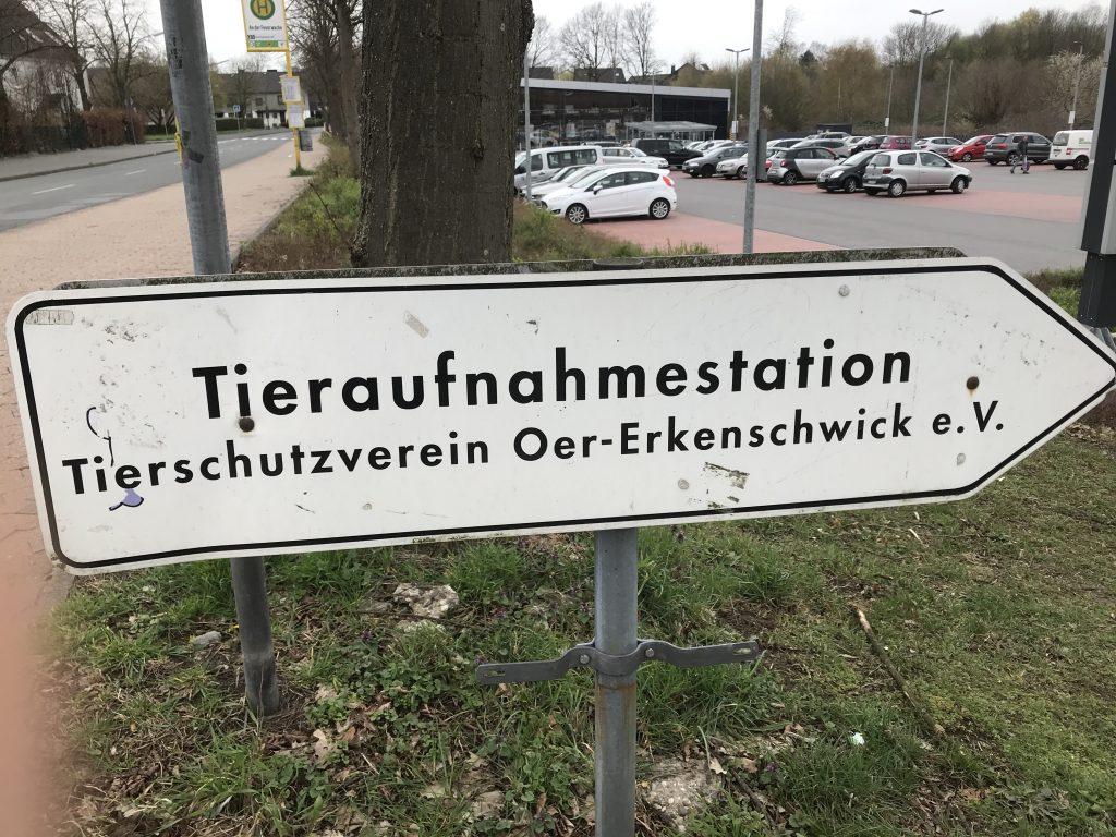 Da geht's lang - zum Tierschutzverein Oer-Erkenschwick!; Foto: Peter Ansmann